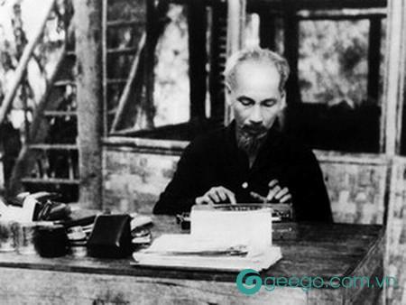 """Ý nghĩa câu chuyện """"Bát chè sẻ đôi"""" và tấm gương đạo đức Hồ Chí Minh"""