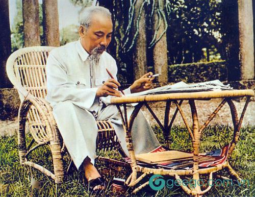 Tác giả Lê Anh Trà - Cây bút của nền văn học hiện đại 2